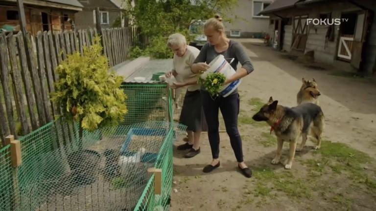 """FOKUS TV serial ROLNICY. Podlasie 🔝 Emilka: """"Papużkę dostałam🦜 Czekamy aż zacznie meczeć jak koza""""🐐"""